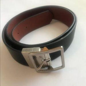 New med reversible Nine West brown black belt